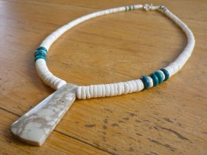 White Clamshell with Ma'an Shan Turquoise & Sea Sediment Serpentine Pendant